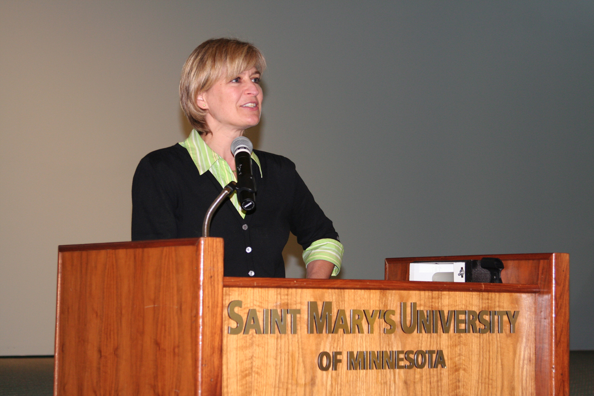 Dr. Kirsten Fischer addresses the audience at the 2008 History Symposium