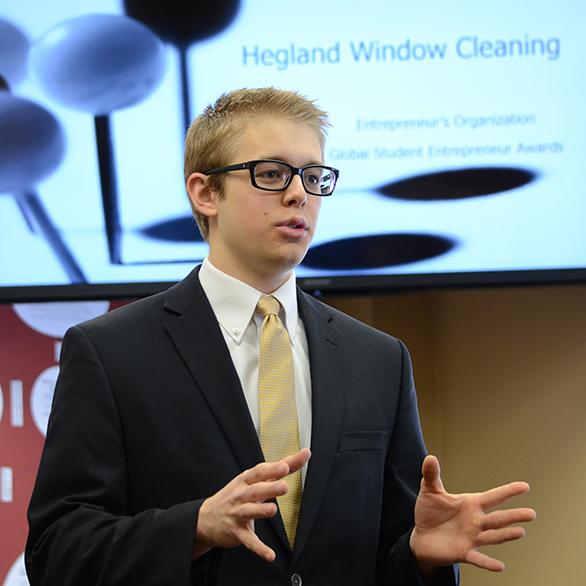 Peter Hegland presenting his window cleaning business